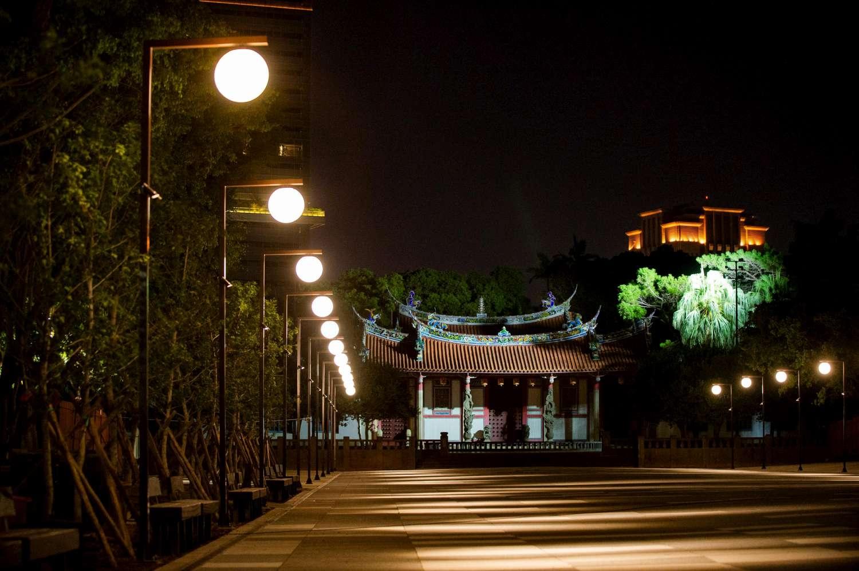 孔廟廣場將強勢回歸!巧思設計打造月亮燈、論語水溝蓋 林智堅市長:親子去處再升級