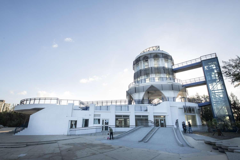 南寮旅服中心周六開幕 2樓高溜滑梯、頂樓無敵海景打造親子新樂園1