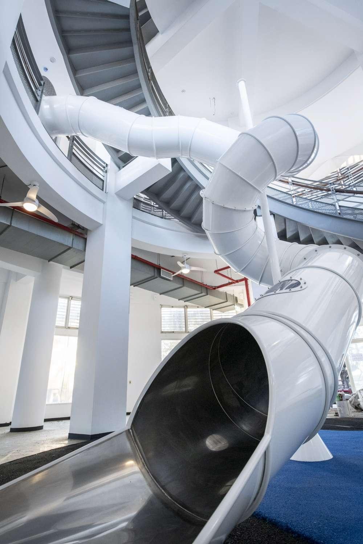 南寮旅服中心周六開幕 2樓高溜滑梯、頂樓無敵海景打造親子新樂園2